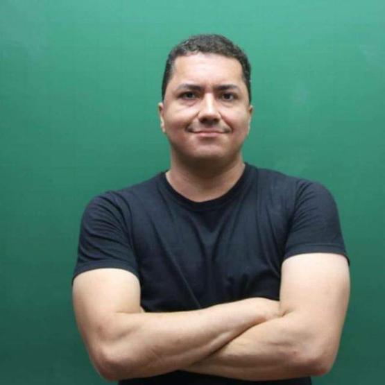 Prof. Alexandre Azevedo